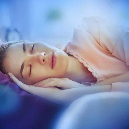 """16/17 ottobre 2021, speciale webinar di yogaterapia: """"Yoga e disturbi del sonno"""""""